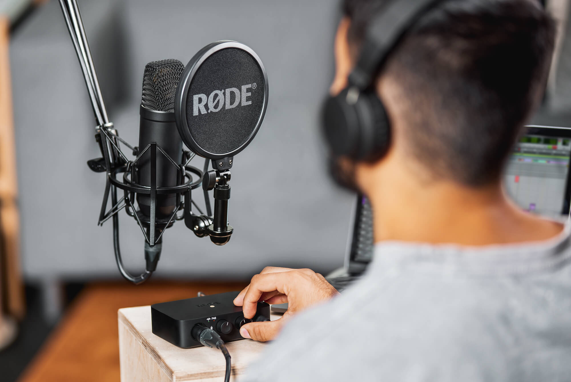 Complete Studio Kit with NT20 & AI 20   RØDE Microphones